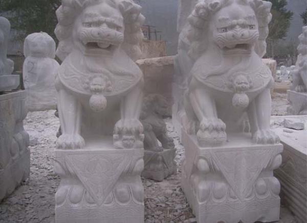 动物石雕_看家小狗塑像(图片)