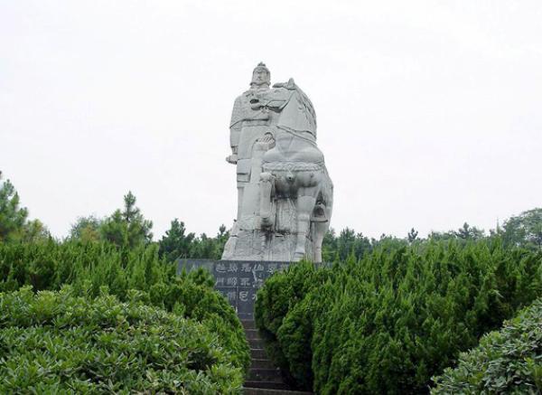 古代人物雕像_名人塑像(图片)