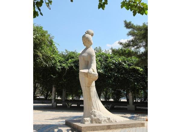 古代人物雕像_老子塑像(图片)