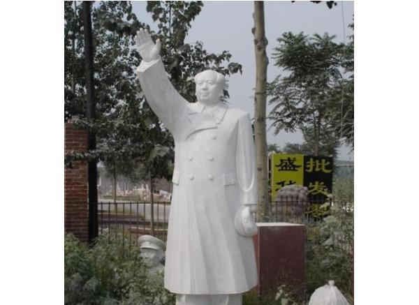 毛主席_毛主席挥手塑像(图片)