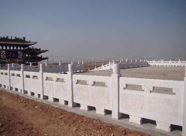 汉白玉栏杆_护城河石栏杆(图片)