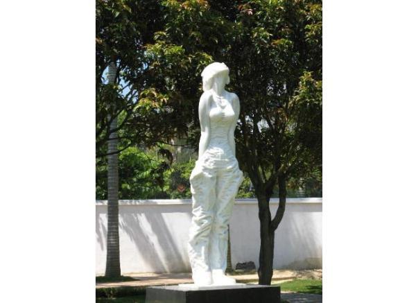 现代人物雕刻_南京大屠杀雕塑(图片)